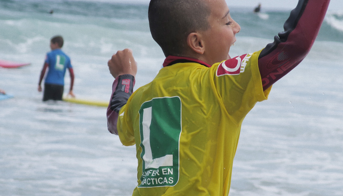 Surf camp para menores Watsay - Playa de Berria