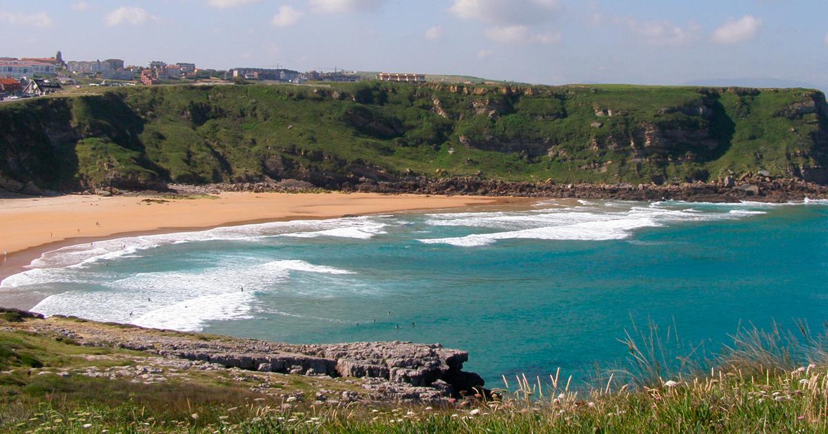 Hacer surf en cantabria - Playa de los locos suances
