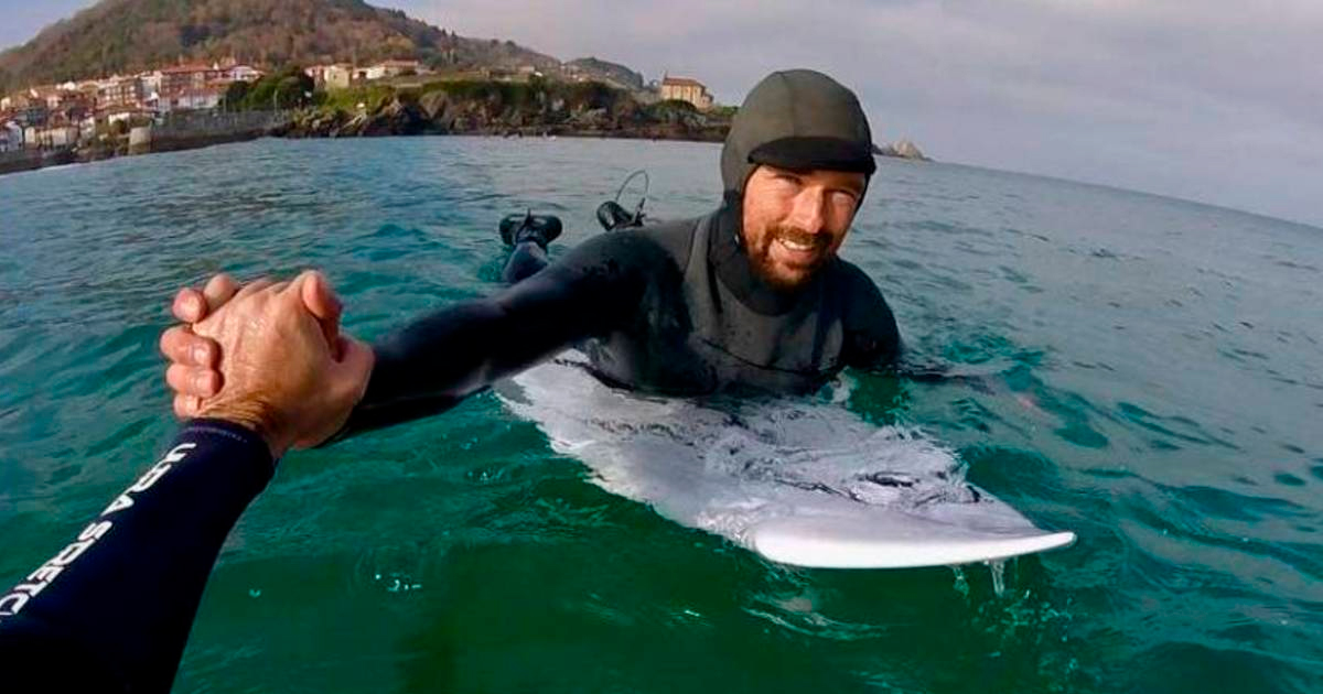 saludando-en-el-surf