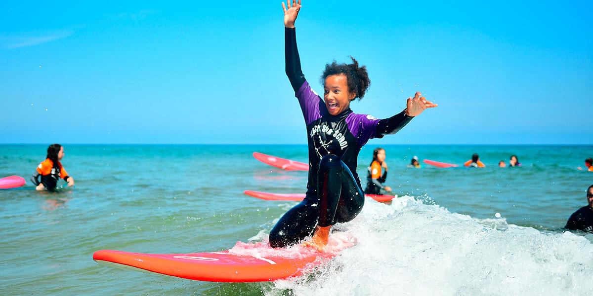 diversión surf camp