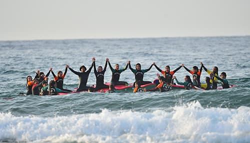 Campamentos de surf para grupos